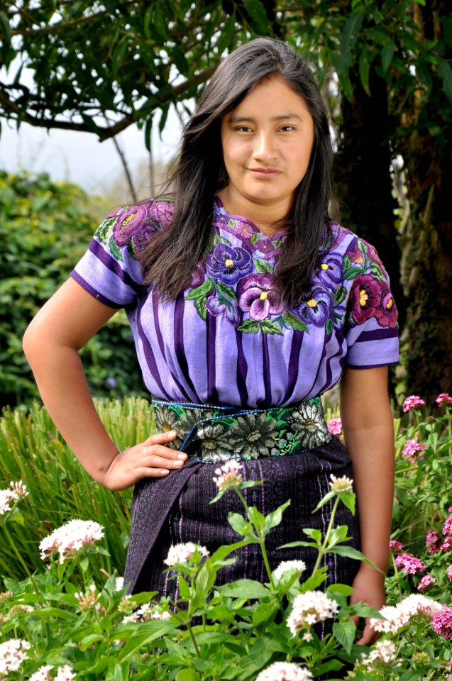 guatemalteca con su traje indigena de solola 2 foto por mario a ajanel - Respeto al Traje Indígena