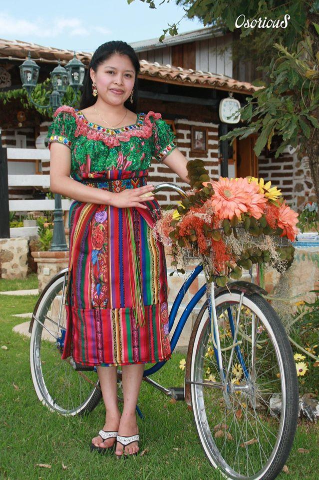 senorita con traje indigena de quiche 3 foto por osorious oso - Respeto al Traje Indígena