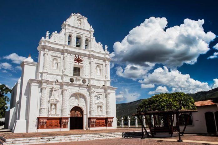 Iglesia San Cristóbal Acasaguastlan, El Progreso - foto por Diego Vielman