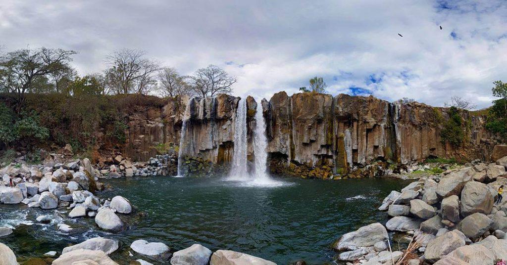 cataratas los amates en santa rosa 1024x536 1 - 6 lugares que conocer en Santa Rosa