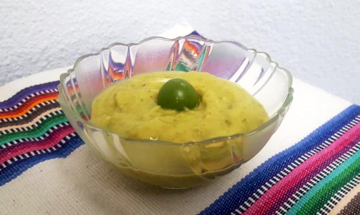 salsa de aguacate con miltomates guatemala mundochapin - Home 2018